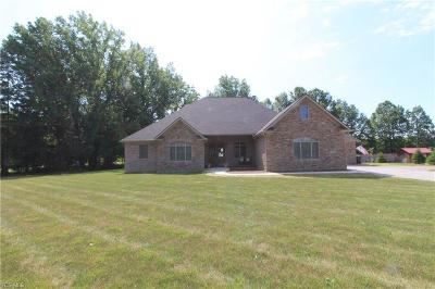 Single Family Home Active Under Contract: 35399 Chestnut Ridge Road