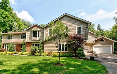Chagrin Falls Single Family Home Active Under Contract: 9590 Stafford Road