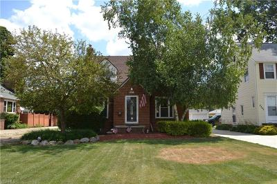 Single Family Home For Sale: 5211 Dover Center Road