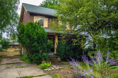 Lakewood Single Family Home Active Under Contract: 2070 Carabel Avenue