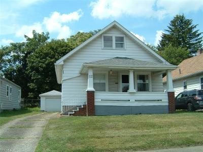 Youngstown Single Family Home For Sale: 12 N Glenellen Avenue