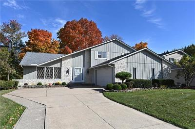 Strongsville Single Family Home For Sale: 19321 Bennington Drive