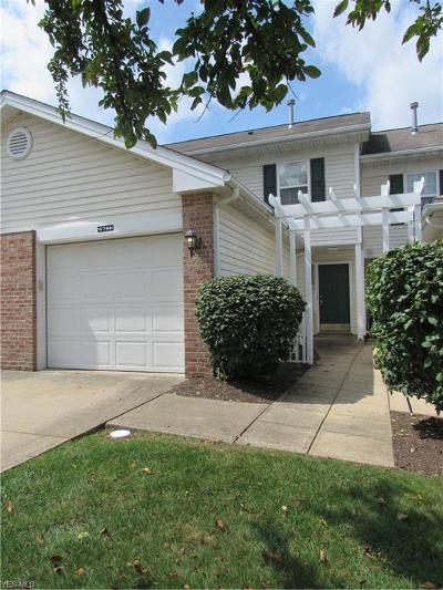 Middleburg Heights Condo/Townhouse For Sale: 6766 Quarrystone Lane