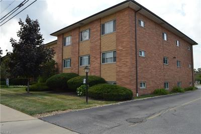Rocky River Condo/Townhouse Active Under Contract: 1736 Wagar Road #305