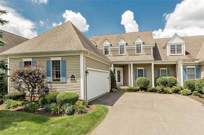 Chagrin Falls Condo/Townhouse For Sale: 16930 Knolls Way