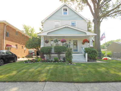 Parma Single Family Home For Sale: 3427 Standish Avenue
