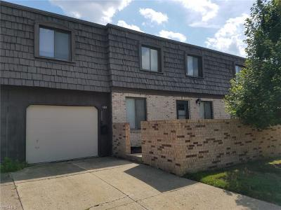 Broadview Heights Condo/Townhouse For Sale: 693 Tollis Pkwy Parkway #9-74