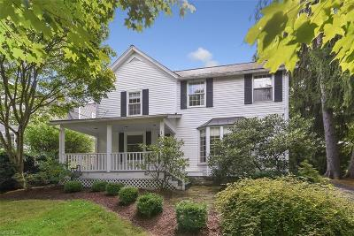 Chagrin Falls Single Family Home For Sale: 154 Vincent Street