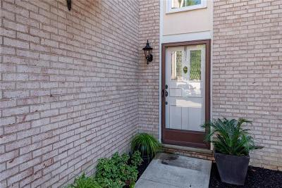 Medina Condo/Townhouse For Sale: 4198 E Normandy Park Drive