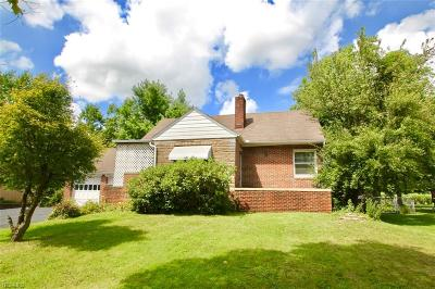 Broadview Heights Single Family Home For Sale: 1462 Royalwood Road