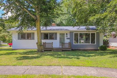Parma Heights Single Family Home For Sale: 6298 Springwood Road