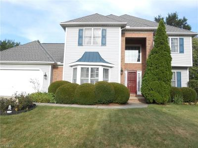 Strongsville Single Family Home For Sale: 14637 Settlers Run