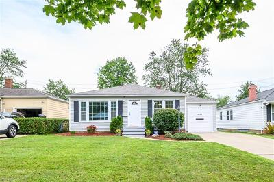 Lyndhurst OH Single Family Home For Sale: $189,900