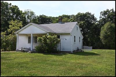 Youngstown Single Family Home For Sale: 1210 S Turner Road