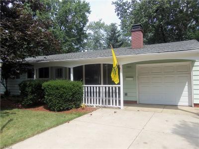 Parma Heights Single Family Home For Sale: 11656 Glendora Lane