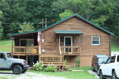 Belpre Single Family Home For Sale: 7585 Veto Road