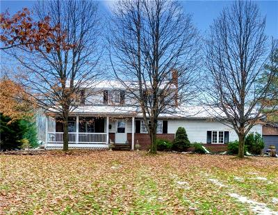 Single Family Home For Sale: 11690 Pinewood Trail