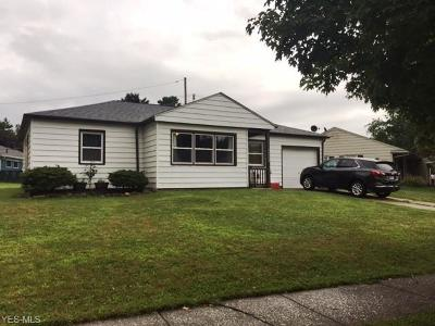 Parma Heights Single Family Home For Sale: 10152 Newkirk Drive