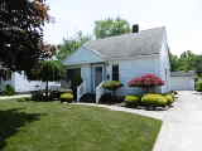 Willowick Single Family Home For Sale: 29720 Cresthaven Drive
