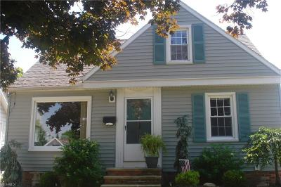 Single Family Home For Sale: 1557 Woodrow Avenue