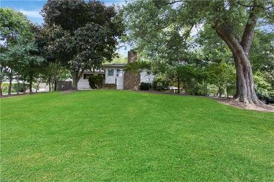 Valley City Single Family Home For Sale: 5789 E Law Road