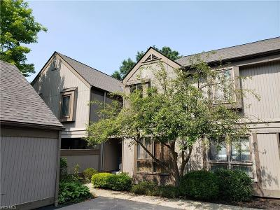 Chagrin Falls Condo/Townhouse Active Under Contract: 17535 Fairlawn Drive