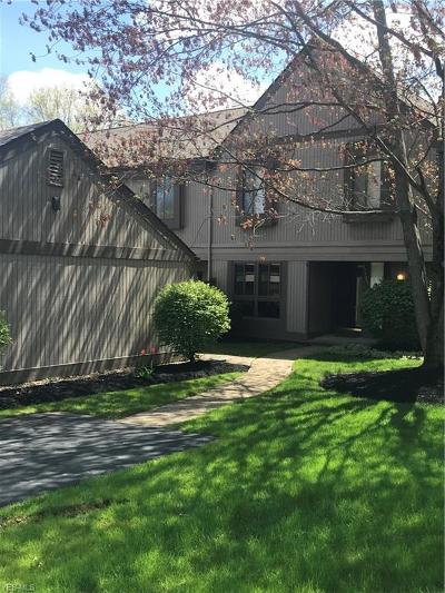 Chagrin Falls Condo/Townhouse For Sale: 17521 Fairlawn Drive