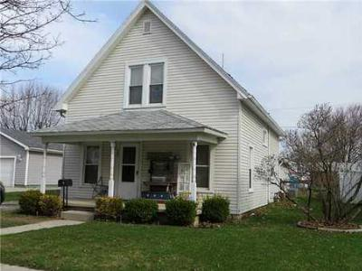 Single Family Home Sold: 705 Maplewood St