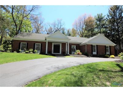 Toledo Single Family Home Contingent: 5607 Sturbridge Road