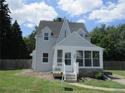 Oregon OH Single Family Home For Sale: $89,900