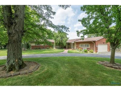 Perrysburg Single Family Home Contingent: 118 Rockledge Circle