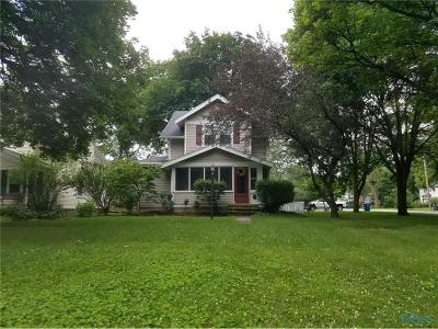 Perrysburg Single Family Home Contingent: 242 W 7th Street