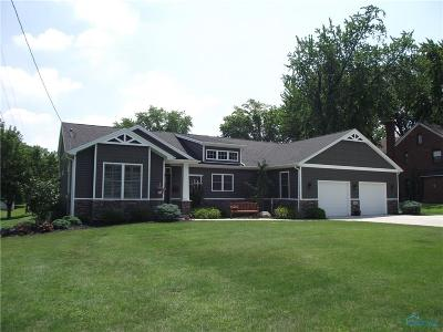 Rossford Single Family Home Contingent: 334 Jennings Road