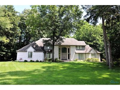Ottawa Hills, Monclova, Oregon, Rossford, Swanton, Berkey, Metamora, Lyons, Whitehouse, Waterville Single Family Home For Sale: 4500 Woodhill Road