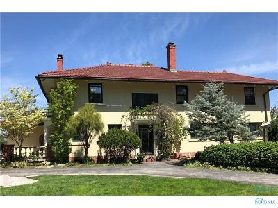 Rossford Single Family Home For Sale: 285 Riverside Drive