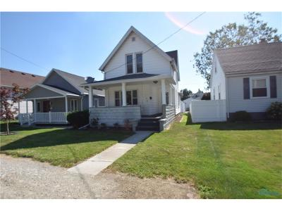 Rossford Single Family Home Contingent: 126 Hillsdale Avenue