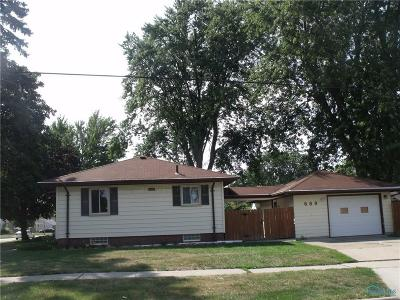 Maumee Single Family Home For Sale: 689 Northfield Drive