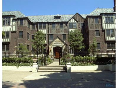 Toledo Condo/Townhouse For Sale: 2200 Scottwood Avenue #207,208