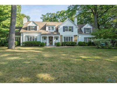 Ottawa Hills, Monclova, Oregon, Rossford, Swanton, Berkey, Metamora, Lyons, Whitehouse, Waterville Single Family Home For Sale: 3640 W Bancroft Street