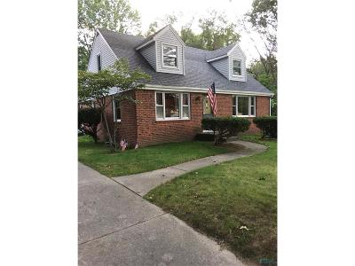 Toledo Single Family Home For Sale: 433 N McCord Road