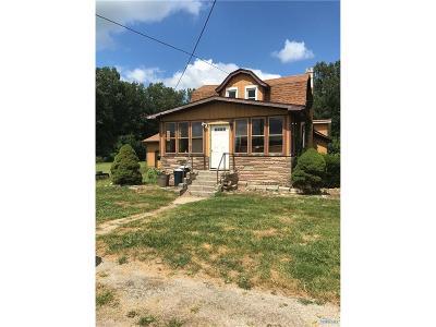 Ottawa Hills, Monclova, Oregon, Rossford, Swanton, Berkey, Metamora, Lyons, Whitehouse, Waterville Single Family Home For Sale: 11840 Old State Line Road