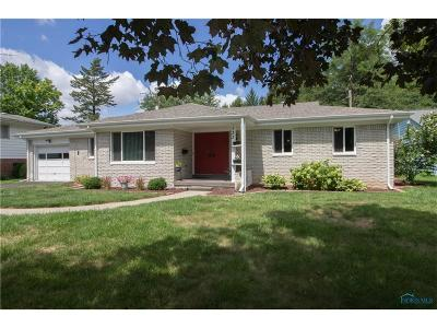 Perrysburg Single Family Home Contingent: 133 Carolin Court