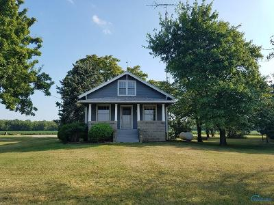 Ottawa Hills, Monclova, Oregon, Rossford, Swanton, Berkey, Metamora, Lyons, Whitehouse, Waterville Single Family Home Contingent: 3633 County Road M