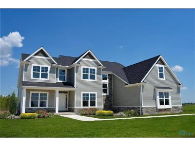 Ottawa Hills, Monclova, Oregon, Rossford, Swanton, Berkey, Metamora, Lyons, Whitehouse, Waterville Single Family Home For Sale: 8472 Valley Gate