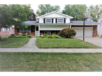 Perrysburg Single Family Home For Sale: 1079 Westbrook Drive