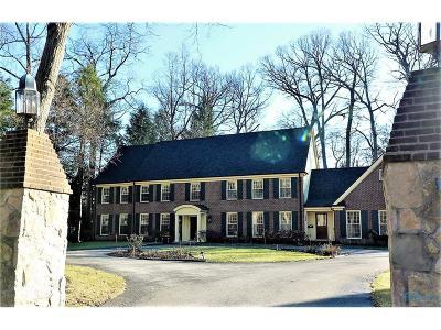 Ottawa Hills, Monclova, Oregon, Rossford, Swanton, Berkey, Metamora, Lyons, Whitehouse, Waterville Single Family Home For Sale: 4543 Forestview Drive