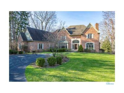 Ottawa Hills, Monclova, Oregon, Rossford, Swanton, Berkey, Metamora, Lyons, Whitehouse, Waterville Single Family Home For Sale: 2554 Forestvale Road