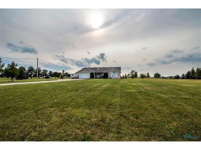 Ottawa Hills, Monclova, Oregon, Rossford, Swanton, Berkey, Metamora, Lyons, Whitehouse, Waterville Single Family Home Contingent: 2935 N Raab Road