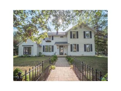 Perrysburg Single Family Home For Sale: 230 Mulberry Street
