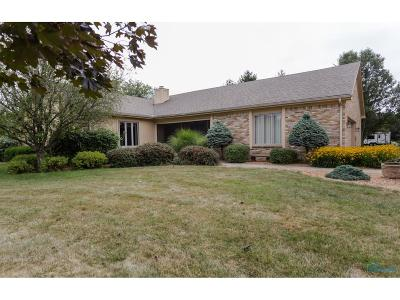 Maumee Single Family Home For Sale: 7129 Heathwyck Road
